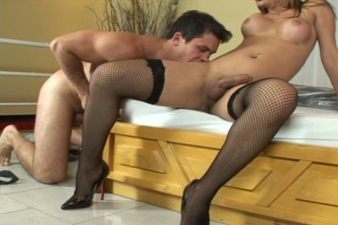 Paulo Marks And Thayssa Tally Get Naughty By Wood Bed