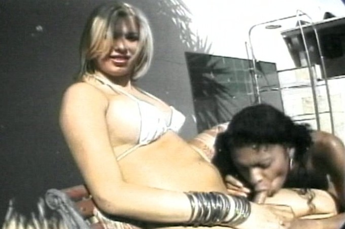 Blonde Tranny In Bikini Fucking A Black Lady By Pool