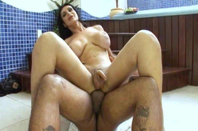 Matheus Axell And Barbara Smith Gets Tongues All Over